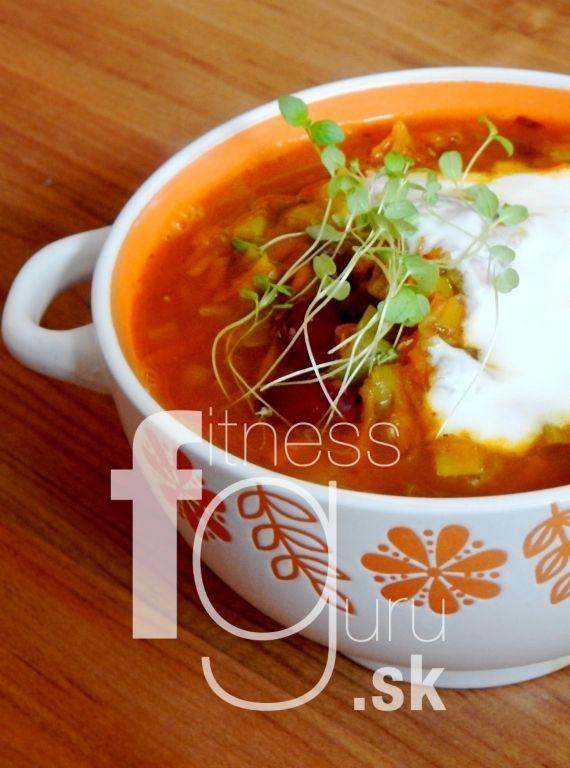 Hustá zeleninová polévka s pečeným lilkem