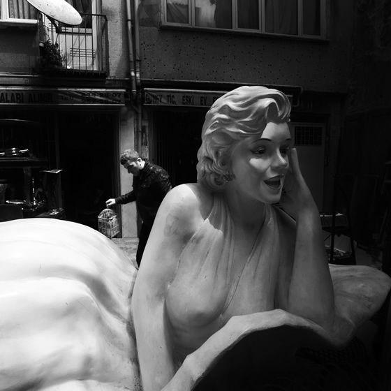 Frankofoni Festivali kapsamında Saint Benoît Fransız Lisesi, ünlü fotoğraf sanatçısı Timurtaş Onan'ı ağırlıyor. Ustalığını, Doisneau, Cartier Bresson, Brassaï gibi Fransız...