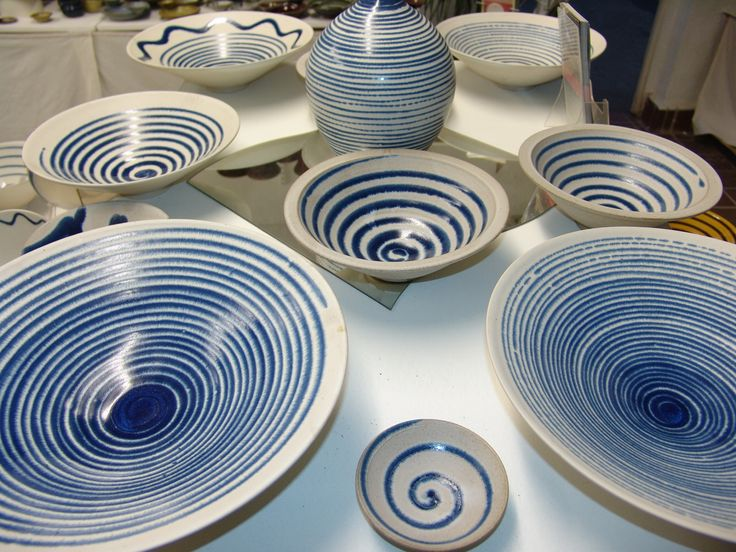 range of domestic trailed blue ware
