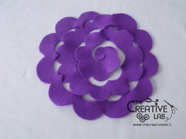 Tutorial come fare fiore stoffa feltro 20 fiori di for Fermaporta fai da te in stoffa