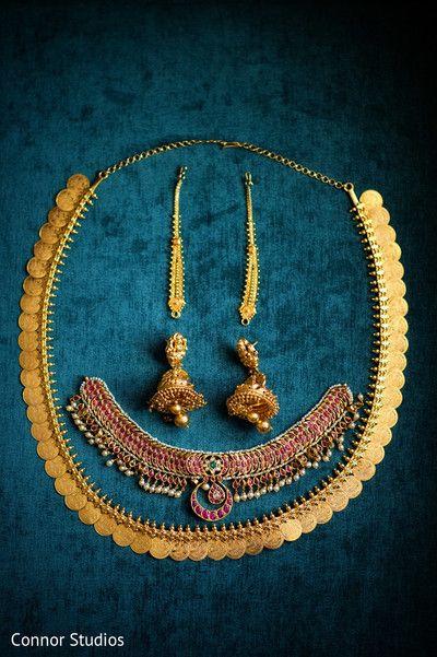 Gold Jewelry Set http://www.maharaniweddings.com/gallery/photo/46340