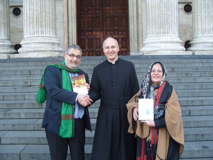 Descendants of the Prophet Muhammad - Syed Yousif al-Khoei and Syeda Khalida Rehman - give Christmas greetings to the Dean!