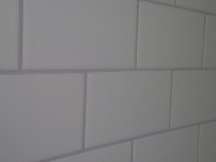White Stacked Subway With Light Grey Grout 115 Platinum