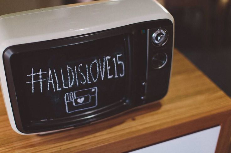 #chalkboard #tv #repurposed #upcylce #television #hashtag #wedding #decoration #vintagesign