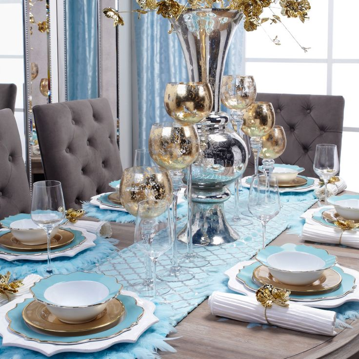 The Chic Technique Light blue or aqua and gold tablescape or table setting. & 1334 best Tablescapes Place Settings u0026 Centerpieces images on ...