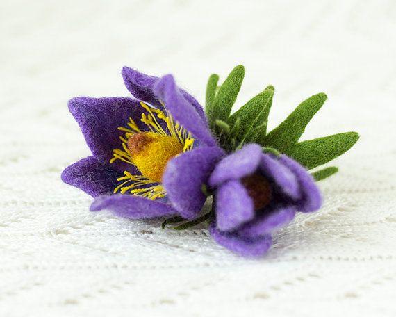 Spring Flower Brooch Pulsatílla / flower brooches / by TaniaFelt