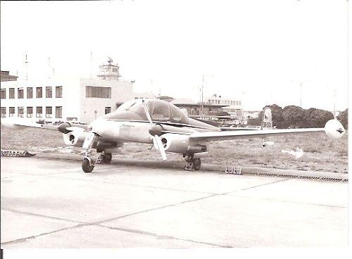 Škoda Plzeň. Prvním letadlem byla L-200 poznávací značky OK-OEA, převzatá od OKD (Ostravsko-karvinské doly). Pilot byl Josef Brož a mechanik Stanislav Zíka.