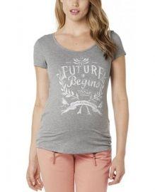 Shirt Elsje  Fijn shirt van noppies, mooie kwaliteit. Speciaal voor de zwangere vrouw. Er is rekening gehouden met de groei van je buik, hierdoor kan je dit shirt dragen vanaf de eerste maand van je zwangerschap tot en met de laatste maand