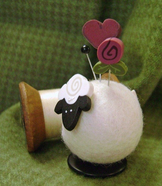 another button buddy needle felting pin cushion!