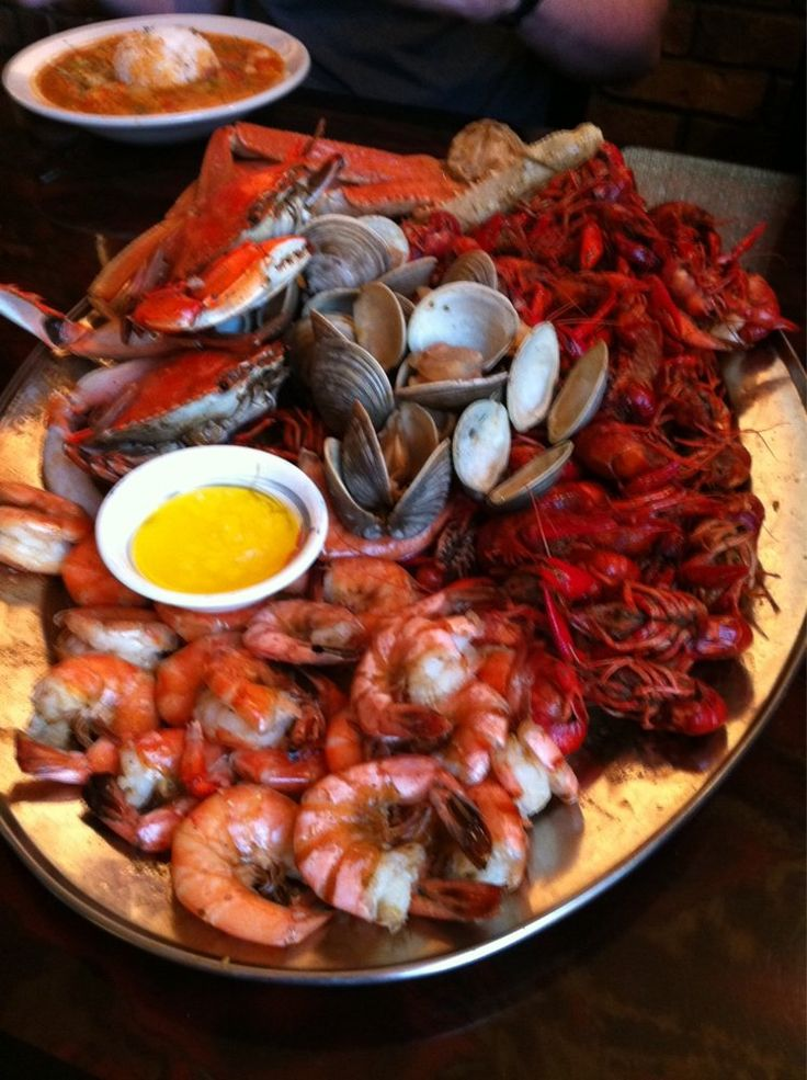 Large Cajun Boil Platter 2 Blue Crabs 2 Lb Crawfish 1 Lb Shrimp 1 Lb Snow Crab Legs 15