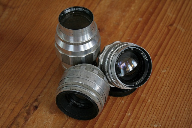 Helios-44, Jupiter-11 and Mir-1 for Zenit 3m by Laszlo_Gerencser, via Flickr http://cameraclasic.blogspot.com