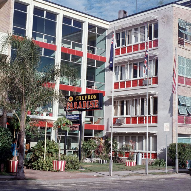 Chevron Paradise Hotel, Surfers Paradise (1960s)