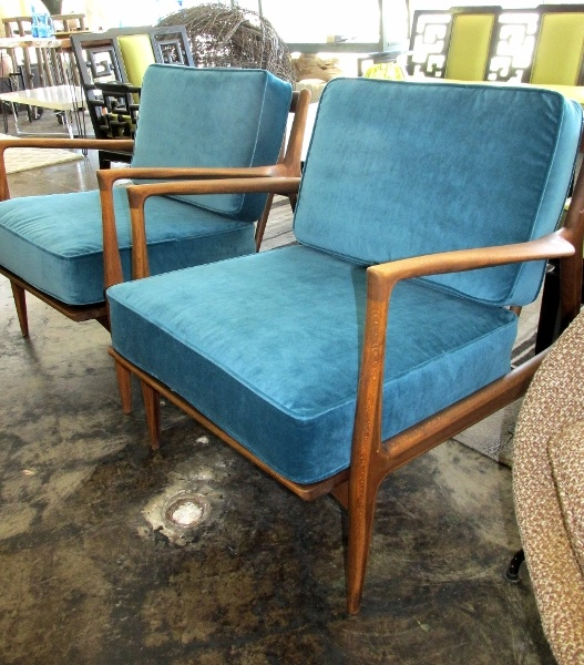 Wonderful Pair Awesome Danish Modern Spindle Back Chairs With New Straps U0026 Cushions.