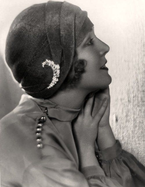 Vilma Banky, 1920s, photo by Melbourne Spurr