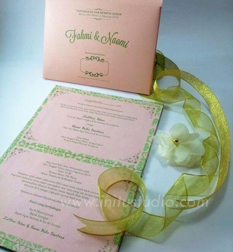 Soft Patterna Hard Cover with Envelope http://initustudio.com/undangan-pernikahan-unik-kreatif/