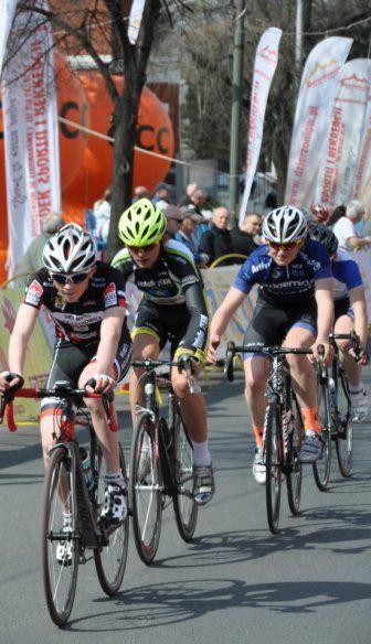 Słońce, prędkość i rowery. Kolarska sobota w obiektywie Reportera 24 - http://kontakt24.tvn24.pl/styl-zycia,498/slonce-predkosc-i-rowery-kolarska-sobota-w-obiektywie-reportera-24,164434.html