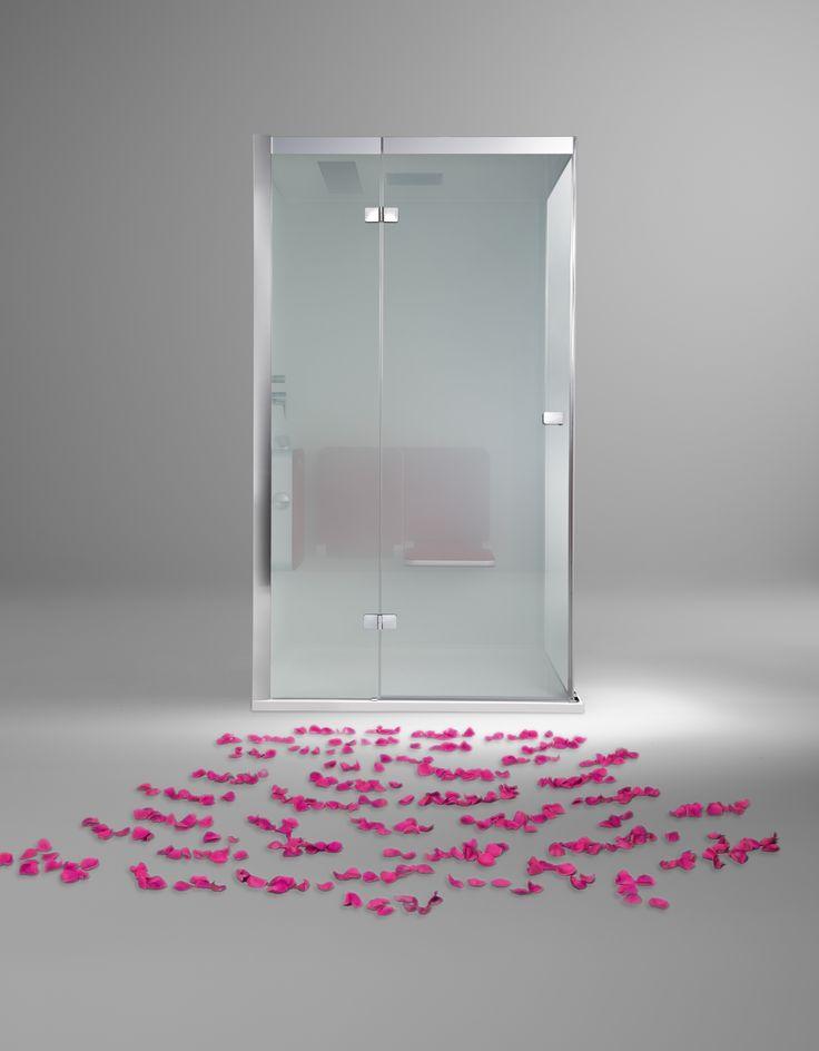 Mit einer BODY+SOUL Dampfdusche wird das Badezimmer noch ein Stück mehr zum private Spa. Kräuteressenzen und ätherische Öle unterstützen die Wirkung des Dampfbades: Je nach gewähltem Duft können Sie Stress abbauen, Verspannungen lösen und Ihren Körper aktivieren. www.artweger.at