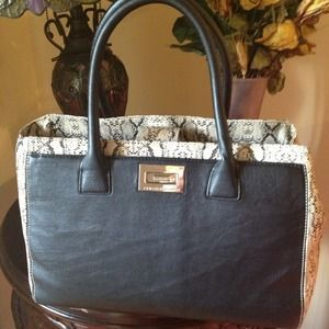 I just added this to my closet on Poshmark: Brand new Armani Exchange tote bag. Leather. Price: $65 Size: Large