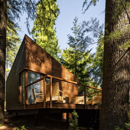 The new eco-resort of Parque de Pedras Salgadas, Portugal, consists of a set of seven small houses in perfect harmony with the surrounding outstanding nature. Designed in a modular prefabrication s…