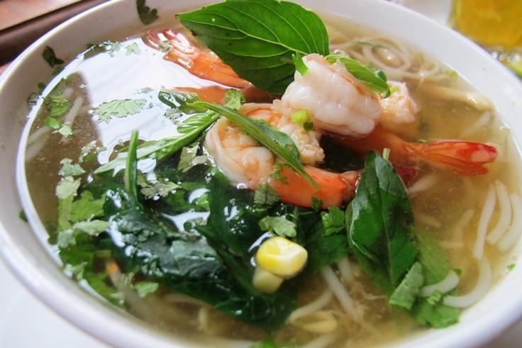 egg noodle soup with shrimp