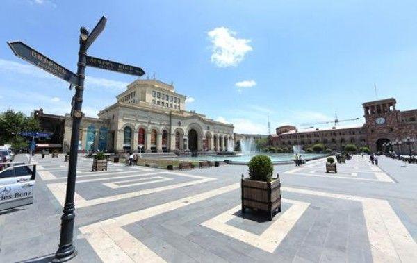 В Ереване устанавливаются новые уличные указатели / Новости / Информационный центр / Республиканская партия Армении