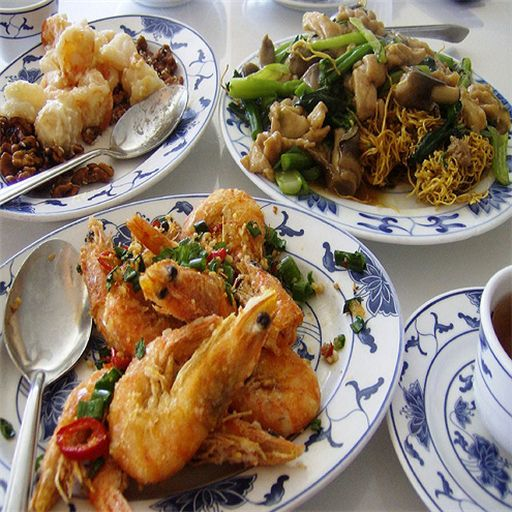 Everyone loves Chinese food of some type or another. With favorites such as Sweet and Sour Pork, Pork Egg Foo Yong, Fried Rice, Stir Fry Noodles, crispy Spring Rolls and many more it's easy to see why Chinese cuisine has become a global favorite.<p>Now you can cook your favorite dishes and impress your friends and family. With over 70 in these easy to follow videos, you'll be cooking like a chef in no time flat.<p>Don't hesitate, download this FREE app and begin cooking…