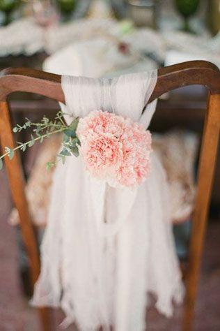 Свадебные тренды 2015 - пастельные цвета, украшение стульев