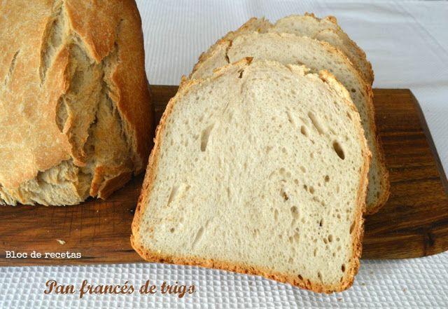 Pan francés crujiente en panificadora - Trigo vs. Espelta Ingredientes para un pan de trigo de 1 kilo 360 g de agua 350 g de harina de trigo para todo uso 150 g de harina de trigo de fuerza 100 g de harina integral de trigo o de espelta 3/4 de cucharadita de levadura seca de panadería 2 cucharaditas de sal fina 30 g de mantequilla fría cortada en pedacitos.