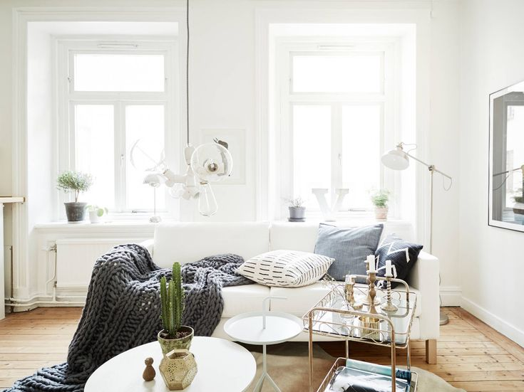 Cute, Cozy And Bright Living Room. Small ... Part 29