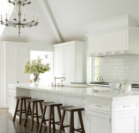 Elegant contemporary country kitchen interior design for d 39 s modern contemporary colonial home for Modern country kitchen designs
