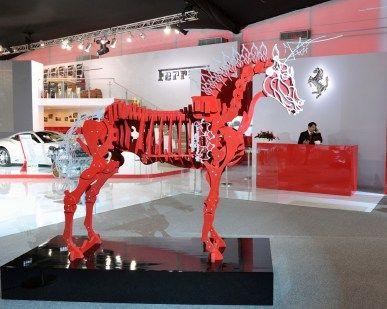 10. 與法拉利合作的《知識之馬 紅色版》