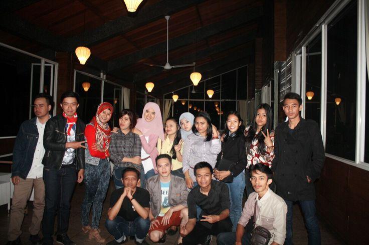 Berbuka puasa dengan alumni 9A, De Tuik Garden Cafe & Resort di Bandung, Jawa Barat