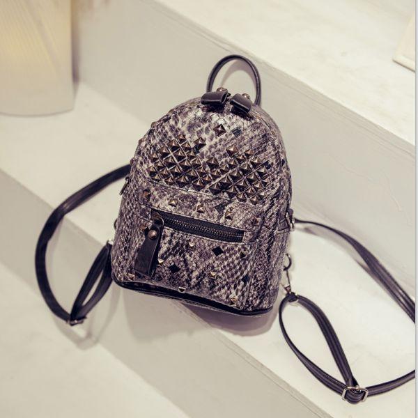 2016 новой корейской версии приток моды заклепками рюкзак колледж Ветер ранец сумки случайные сумки на ремне с тремя