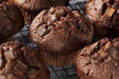 Ricetta muffin al cioccolato vegan - i muffin al cioccolato vegan sono una ricetta golosa adatta a colazione e merenda per tutta la famiglia, cruelty free.