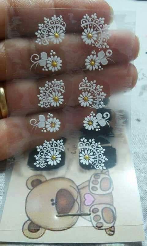 Adhesivos hechos a mano para manicure