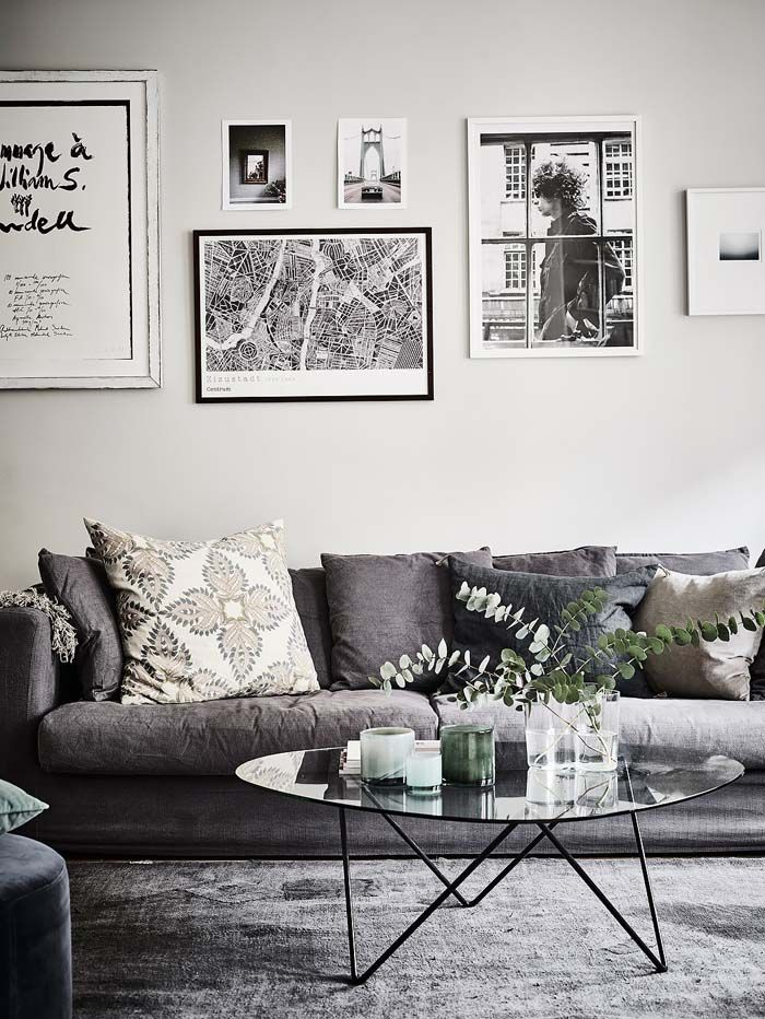 Kolme kotia - Three Homes   Päivän kaikki kolme kaunista ja tunnelmallista kotia löytyivät ruotsalaisten kiinteistönvälittäjien sivuilta. ...