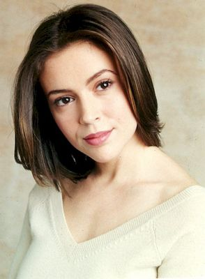 Charmed Season 1 Promo.I loved watching charmed. Please check out my website Thanks.  www.photopix.co.nz