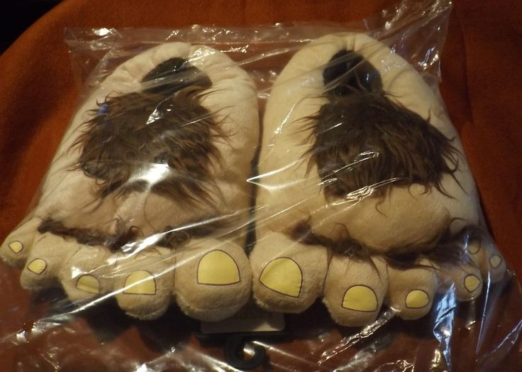 The Hobbit The Desolation of Smaug Hobbit Feet Slippers LOTR (CHOOSE SIZE)