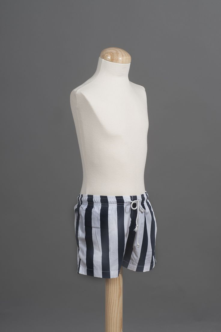 Boy´s navy stripes