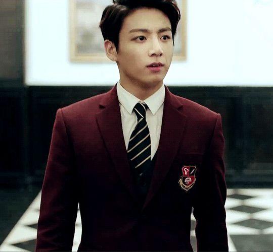 Eep! He looks like a preppy anime boy who goes to a boarding school. *ouran high school host club theme song plays* kiss kiss fall in Bangtan Sonyeondan.