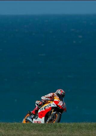 Phillip Island - the best place to watch men on fast bikes ride in circles