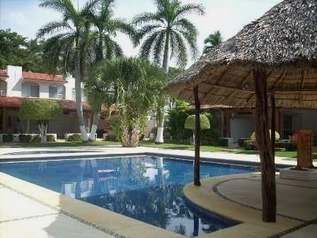 A-8 BONITA Y COMODA VILLA EN IXTAPA  UBICACIÓN: Ixtapa; Zihuatanejo, Gro. Club Costa Ixtapa, a una cuadra de la zona hotelera atrás del ...  http://jose-azueta.evisos.com.mx/a-8-bonita-y-comoda-villa-en-ixtapa-1-id-581051