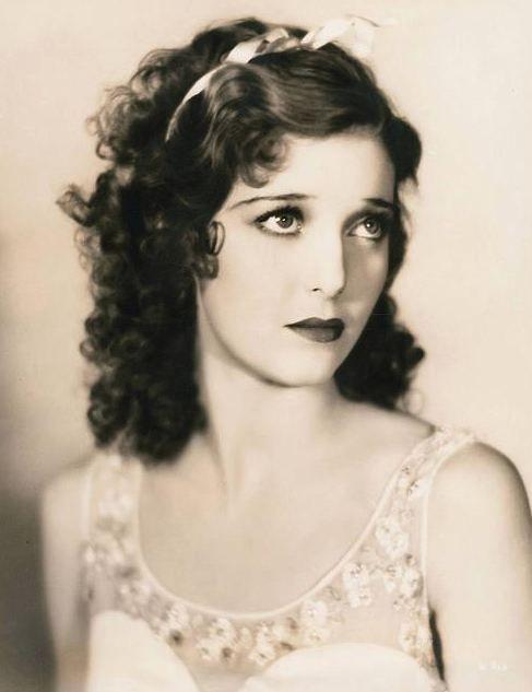 Loretta Young, fue una actriz cinematográfica estadounidense.