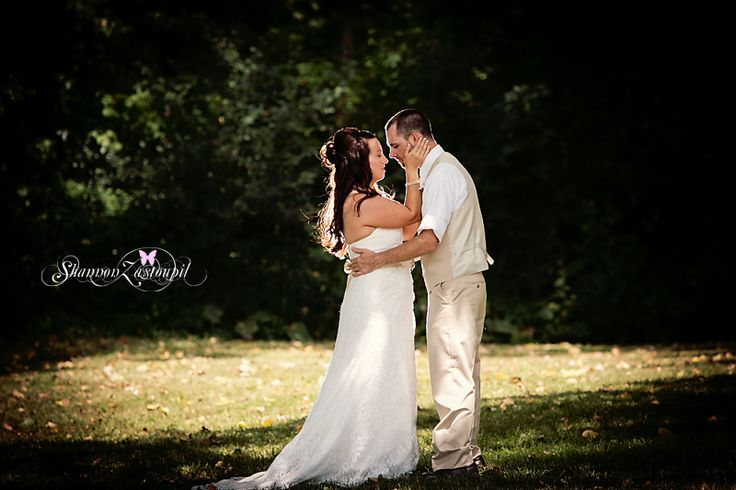 17 Best Images About Bride Amp Groom Pose On Pinterest