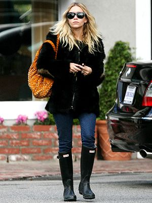 a pair of Hunters Wellington Boots here worn by Ashley Olsen