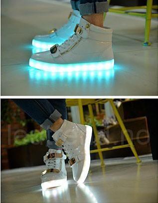 Hvite LED creamy sko. -   LED-skoene finner du i nettbutikken ledtrend.no. Prisene på ledskoene varierer fra 599-, og oppover, GRATIS frakt på alle varer. Vi har mange forskjellige LED-sko, ta en titt da vel? på: www.ledtrend.no