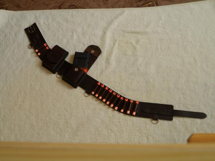 Leather belt for twelve nerf darts, two magnetic pockets