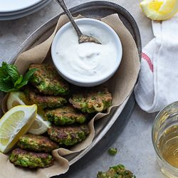 Pea, Mint and Feta Fritters with Yogurt Mint Dipping Sauce (Gluten-Free, Grain-Free): Food Style, Dips Sauces, Dipping Sauces, Grains Free, Gluten Free, Peas Fritters, Yogurt Mint, Feta Fritters, Mint Dips