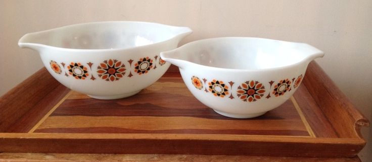 Another photo of my Toledo Cinderella bowls JAJ PYREX, also featuring a rather natty vintage inlaid tray....
