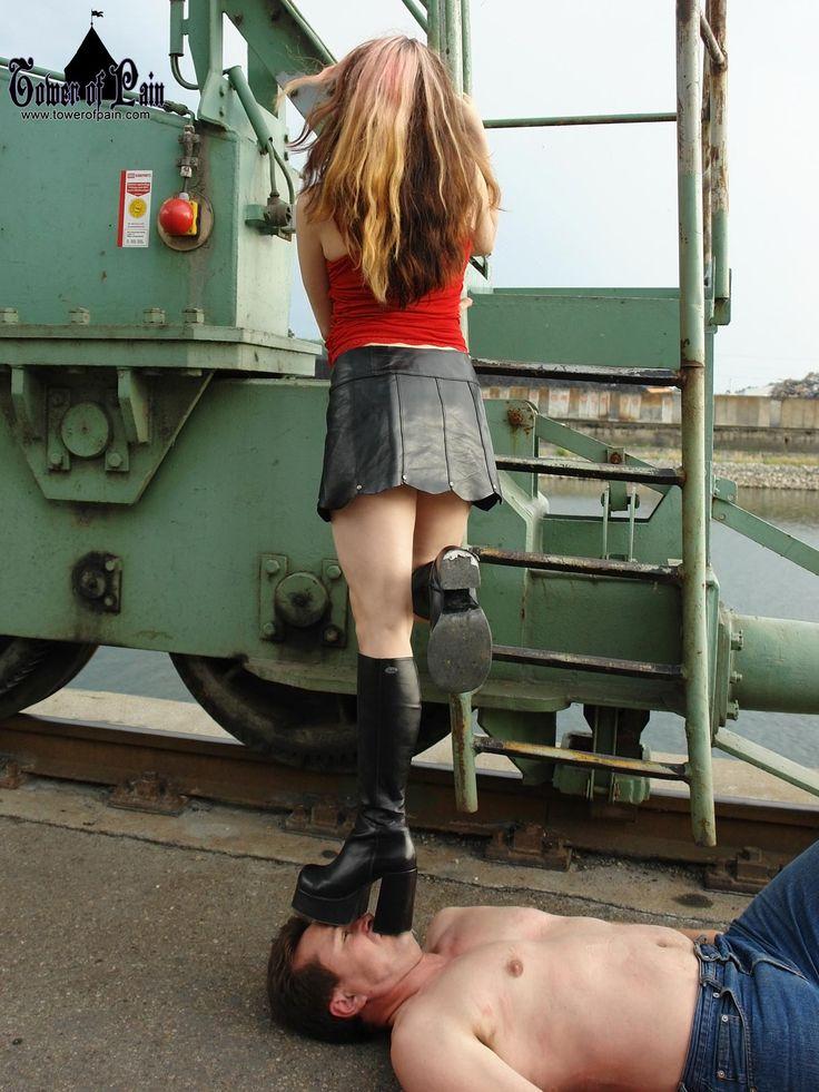trampling slave girl